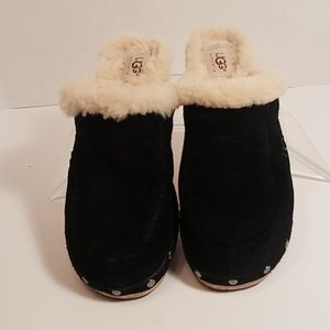 UGG Kalie Sherpa- lined Suede clogs size 7